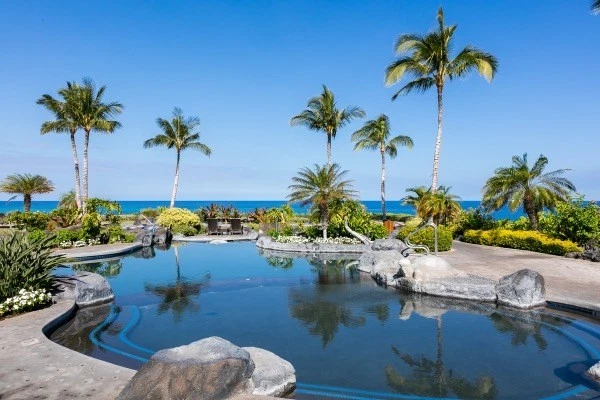 Big Island Luxury Oceanfront Hali'i Kai